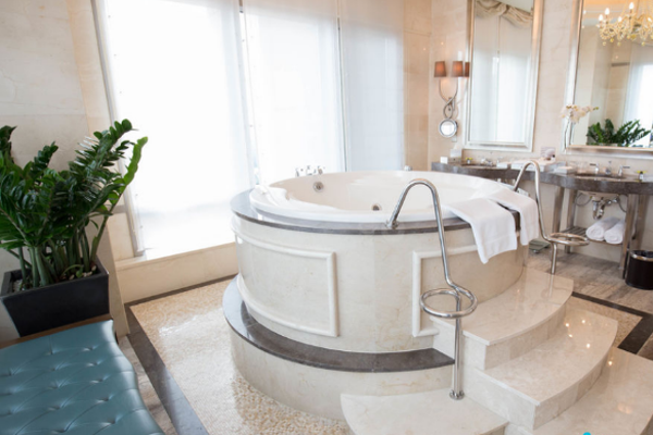 bồn tắm nofer cao cấp